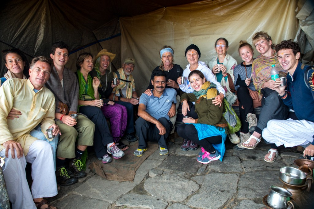 Yaris crowd the tea stall at Tunganath. October 2015 ©robertmoses