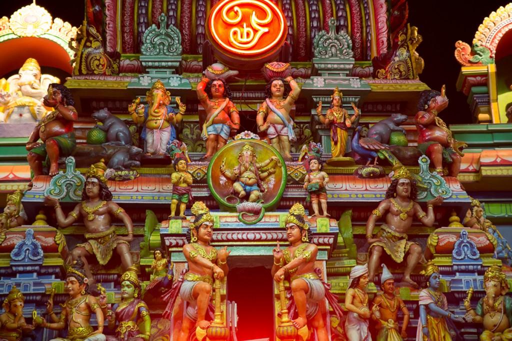 Tamil AUM in neon.  January 12, 2016. ©robertmoses