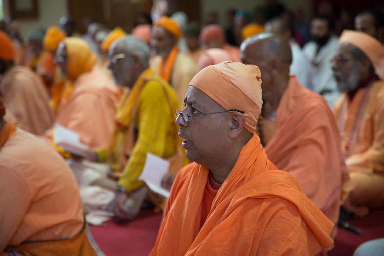 Swami Janardanandaji at Sadhu Sunday Kirtan in Uttarkashi