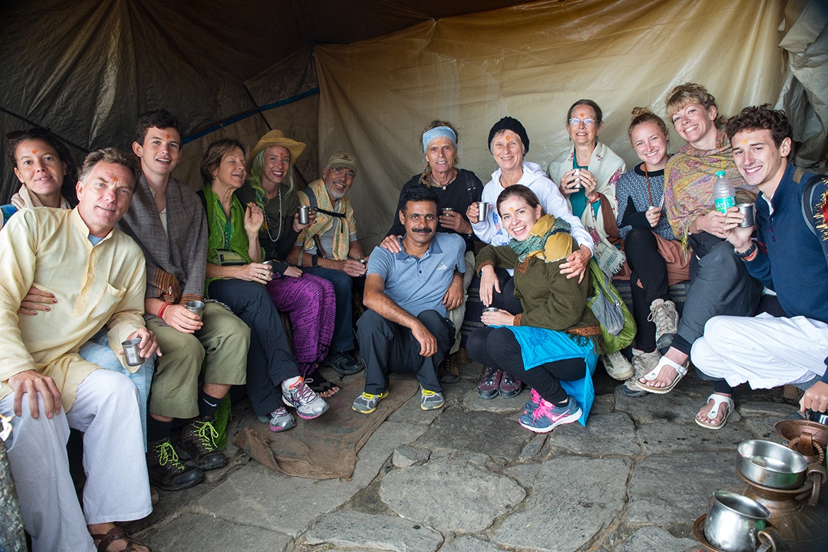 Having made the trek to Tungnath, members of the Nāmarūpa Yatra 2015 take chai.