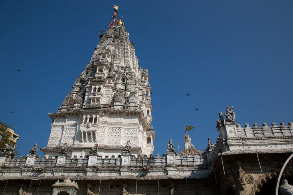 Babulnath Mandir, ancient Siva Lingam in the heart of Girgaum, Mumbai. ©robertmoses