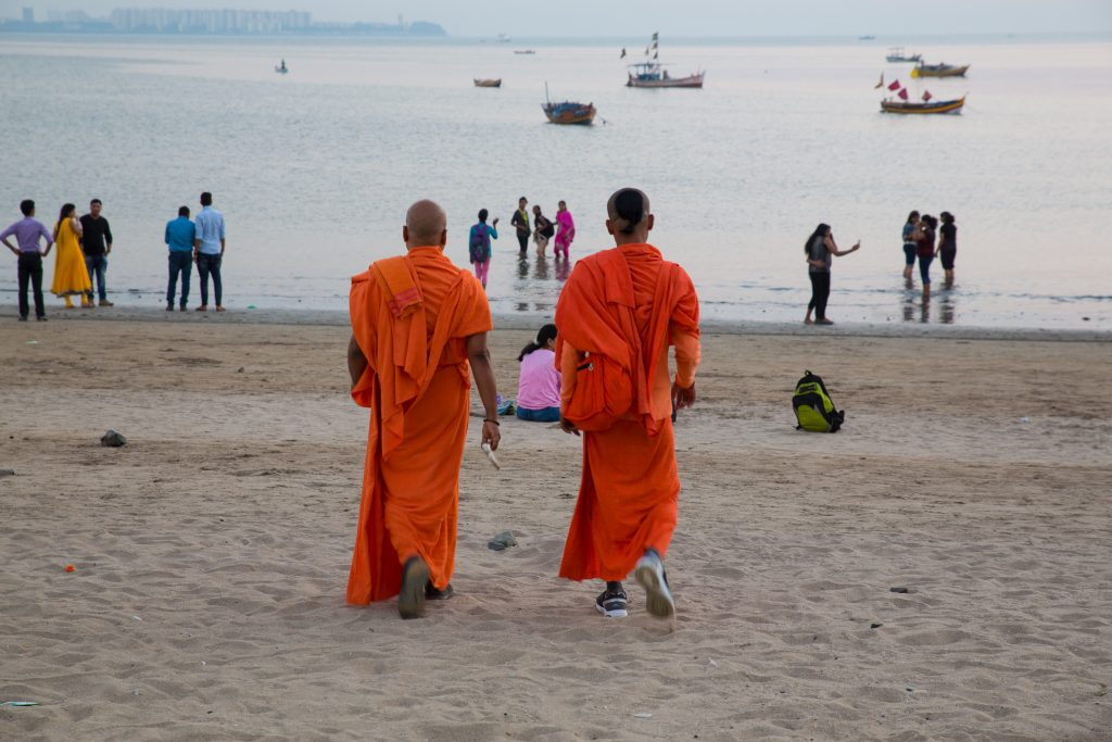 A couple of swamis head for their evening stroll along Chowpatty Beach ©robert moses