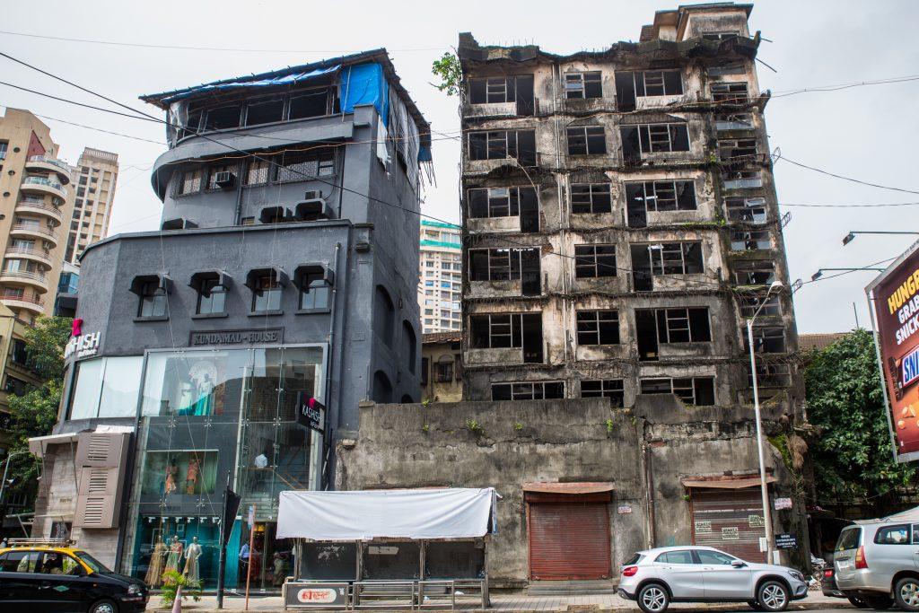New and Old apartments. Girgaum, Chowpatty, Mumbai. ©robertmoses