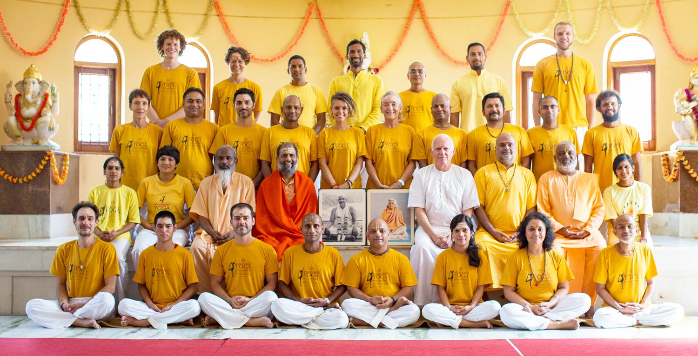 Yoga Teacher Trainees in Tapovan Kuti Uttarkashi September 2016 ©robert moses
